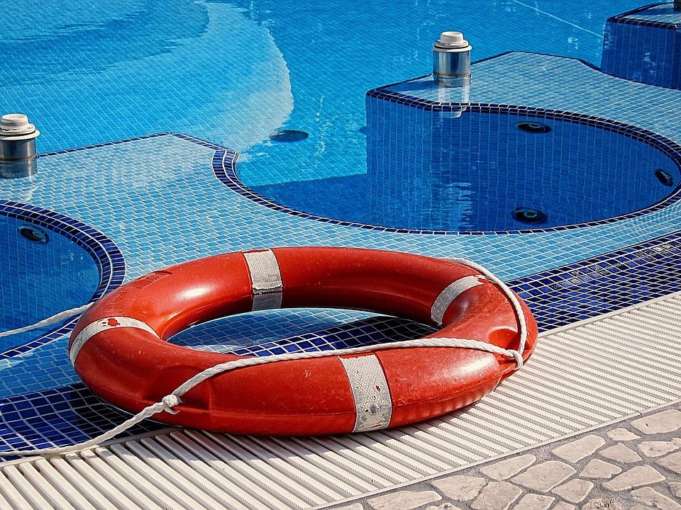 pool-165929_960_720